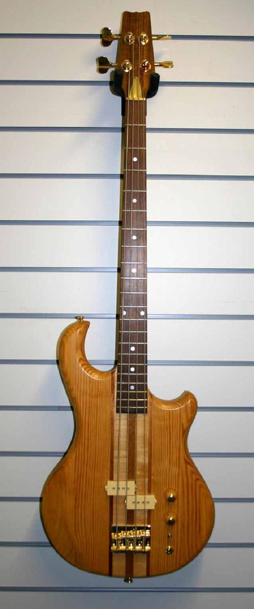 Brandoni Custom Guitars Complete Instruments